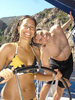 Croisière à la cabine pour célibataire ou en couple sur des voiliers catamaran ou monocoque
