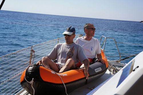 Catamaran et ses jouets loués sur la Corse avec skipper