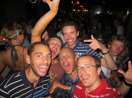 Fiesta by the night sur une croisière entre amis avec skipper
