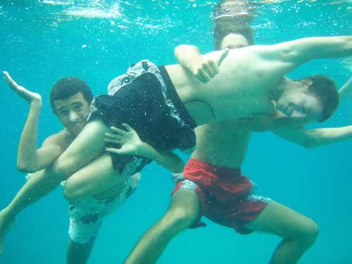Jeunes en immersion sur cette croisière en famille en Corse