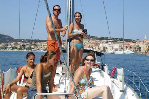 Location de voilier entre amis sur la corse