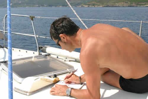 Peinture en direct sur une croisière voile en Corse