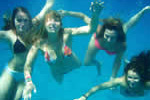 Jeunes sirènes sur une croisière voile en Corse avec skipper