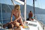 Massage sur un voilier de location lors d'une croisière à la cabine