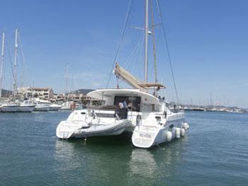 Croisière à la voile sur un catamaran